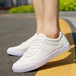 2017 New tide brand small white shoes fashion light couples&lovers shoe low help men&women casual shoes soft soles sports shoes&flat shoes