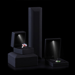 High End Black Rubber Led Pendant Box Gift Spotlight Jewelry Packaging Boxes Earring Boxes Necklace Storage Case