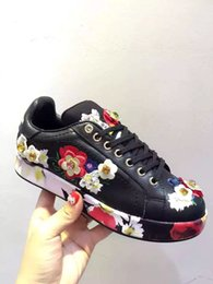 BEST QUALITY! Brand black white flower sequins genuine real leather designer sneakers shoes vogue runway d casual floral