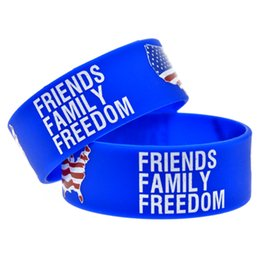 Wholesale 50PCS Lot Printed Friends Family and Freedom With American Map Silicone Wristband Bracelet Promotion Gift