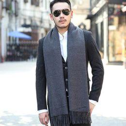 2016 foulards en coton de marque de gros Vente en gros- New hiver couleur unie Cachemire Écharpe Marque Hommes Écharpes Laine Warm Châles Cotton Designer Tassel Femmes Wraps promotion foulards en coton de marque de gros
