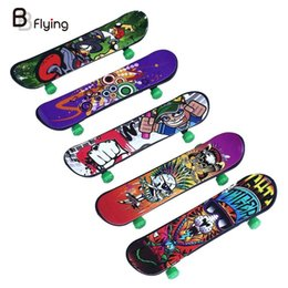 Wholesale Free shopping Alloy Stand FingerBoard Mini Finger boards With Retail Box Skate trucks Finger Skateboard for Kid Toys