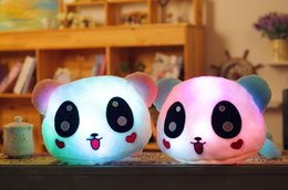 2017 coussins en peluche farcis Vente en gros- 50cm 20 '' Luminous Farce Panda Toy LED Light Up Peluche Peluche Glow Pillow Music Playing Auto Color Rotation Illuminated Cushion coussins en peluche farcis promotion