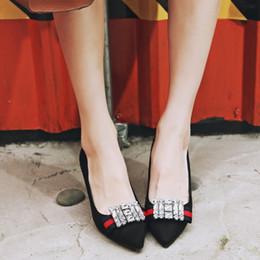 Обувной магазин и сексуальные ножки с переводом смотреть онлайн фото 142-246