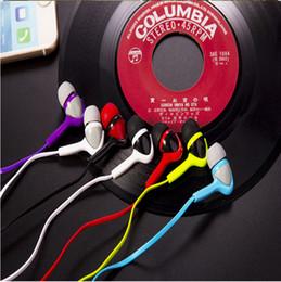 El bajo piso en Línea-Ventajas al por mayor auriculares de color de caramelo bajo tipo de oído en la oreja General Subwoofer flat headphones