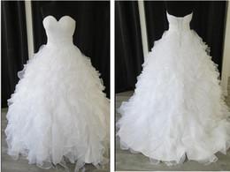 Robes blanches chérie volants de mariage à vendre-Plus Size Sweetheart Custom Made élégant blanc organza Ball Gown Ruffles imperméable à bas prix perlés Wedding Party Robes Robes