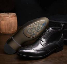 Descuento botas altas de tacón hombres señalaron dedos de los pies El alto talón bajo del cuero de la vaca de los hombres de la tapa superior de la marca de fábrica señaló el cordón del dedo del pie Brogue que tallaba los cargadores formales del caballero del zapato de la boda del vestido del juego, negro, 38-44