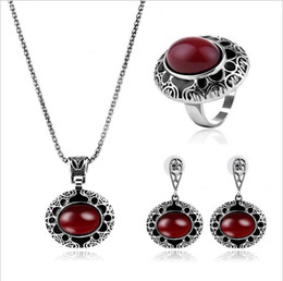 2017 Free Shipping Vintage Trio Necklace Earrings Rings Wedding Fashion Accessories Set High Fashion Gift f188