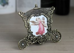 Wholesale Small Europe Mini Metal Photoe Frame Antiqued Zinc Alloy Metal Vintage Picture Frames Wedding Birthday Gifts Frame X4633 quot