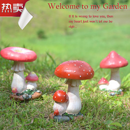Small mushroom resin crafts, decoration, garden lawn ornaments, decorative potted succulents, beautiful little mushroom shape, garden decora
