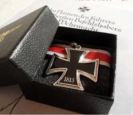 Croix d'argent à vendre-Bijoux européens portant le style de restauration des façons anciennes de la guerre mondiale allemande ii Allemagne niveau chevalier pendentif en argent avec l'usure croix de fer