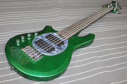 Descuento guitarra de la mano izquierda verde La alta calidad de la aduana 2016 de la fábrica popular el bongo del verde de la guitarra baja del musicman de las secuencias del MEJOR 6 de la mano izquierda con el fretboard del arce Envío libre