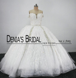 Vintage Royal Bridal Wedding Dresses Puffy Ball Gowns Sweetheart Lace Appliques Tulle Cathedral Train Bridal Gowns
