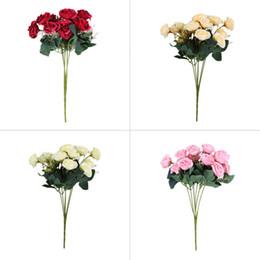 Vente en gros de haute qualité 12 têtes de soie artificielle Rose bouquet de fleurs pour les cadeaux de mariage à partir de tissu rose têtes fabricateur