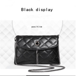Wholesale 2017 high quality new tide contracted ling chain little bag air fragrance metal tassel bag lady hand the bill of lading shoulder worn