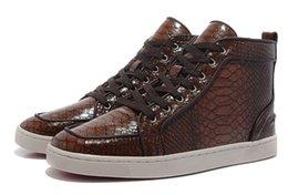 Купить Онлайн Франция человек-Новые змеиные кожаные высокие кроссовки кожа для мужчин Обувь люкс бренда нижняя обувь дизайнер Франция моды красный черный кроссовки