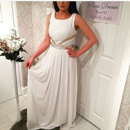 2016 White Prom Dresses with Beaded Belt Appliques and Ruffled Tired Chiffon Skirt Evening Party Gowns