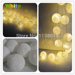 Descuento luces de hadas blancas con pilas Venta al por mayor-LED batería Powered COTTON BALL FAIRY STRING LIGHTS PARTY BODA Casa DECOR puro blanco caliente ray