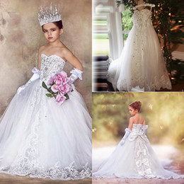 Promotion robes en tulle sans manches 2017 Glitz Little Girls Flower Girl Robes Sans manches Off the Shoulder Communion Robes avec Big Bow à lacets Retour Princesse Pageant Robes