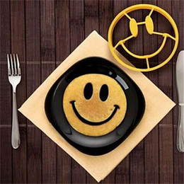 Wholesale NEW Omelette mold Breakfast Cute Silicone Smiley Face Fried Egg Mold Pancake Egg Rings Shaper Funny Creative Kitchen Tool JF