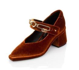 Les brunes à vendre-Femmes mary jane chaussures de mariage 2017 noir / marron / armée vert velours vintage pompes pour les femmes de mariage soirée prom de soirée