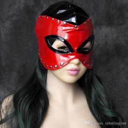 2017 lignes de capot SM Sex Bondage Fetish mouillé regardant Hood Half Head cosplay masque avec métal Rivet doublé rouge et noir Adult Fetish Game Toy lignes de capot sortie