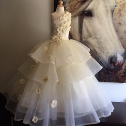 White Ivory Girls Pageant Dresses One Shoulder Pearls Flowers Lace Organza Floor Length Ball Gown Flower Girls Dresses For Weddings