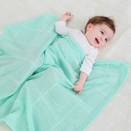 The pure cotton hollowed-out cover blanket baby wrap blanket baby towel blanket with green bath towel