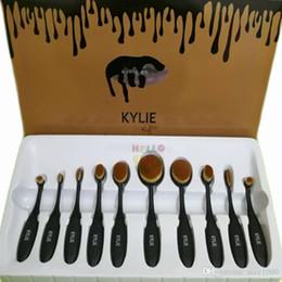 2017 outils gratuits d'expédition NOUVEAU NOUVEAU Kylie Oval Maquillage Brosse Cosmétiques Fondation BB Crème Poudre Blush 10 pièces Maquillage Outils DHL Livraison gratuite outils gratuits d'expédition autorisation