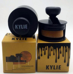 Descuento conjunto de maquillaje cepillo de bajo precio En la acción Nuevo tipo KYLIE del cepillo del cepillo de la fundación del maquillaje de la llegada KYLIE tipo BB del cepillo de la crema del BB el precio bajo