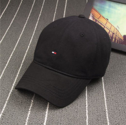 Hot Sale New Fashion Tide Brand Snapback Caps Strapback Baseball Cap Boy Hip-hop Hats For Men Women Fitted Hat Black White Pink