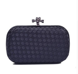 2017 women formal clutch Vente en gros-dames de marque de luxe de conception faite à la main tricoté d'embrayage sac de soirée femmes de la mode des sacs à main d'embrayage du soir formelle. promotion women formal clutch