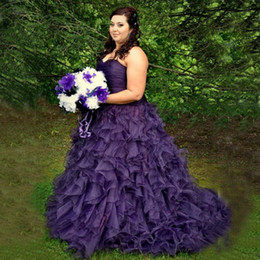 Vintage Colorful Plus Size Wedding Dresses Purple Organza Ruched Top Sweetheart Neckline Ruffles Skirt Lace-up Back Bridal Gowns