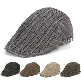 Compra Online Sombreros casual para los hombres-Nuevos casquillos unisex de la gorrita tejida de la boina del deporte de la salida del verano de los hombres de las mujeres de los bolsos del Snapback que adelantan la tela escocesa Casquette HT51091 + 25 del remiendo de los sombreros