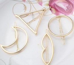Canada 2017 New Brand Hairpins Triangle Moon Hair Pin Bijoux Lip Round Clip de cheveux pour femmes Barrettes Head Accessories round hair clips deals Offre