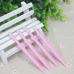 1PC Soft Rubber Head Nail Art Sticks Spoon Plastic Cuticle Pusher For Sticker Remover Salon Care Tools Pedicure Manicure Beauty Accessory