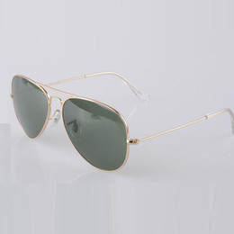 Wholesale Brand classical pilot sunglasses mm Holiday fashion sunglasses men sunglasses for women with free accessories product