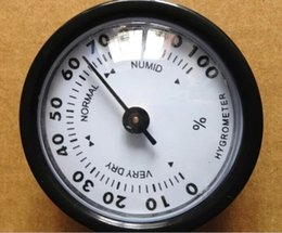 Wholesale New Quality Importers Analog Hygrometer Inch Round Glass Analog Hygrometer for Humidors Black Plasitic