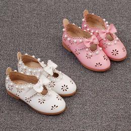 Sandalias de perlas flores en Línea-Las nuevas sandalias de los niños forman los zapatos coreanos de los zapatos de vestido de boda de los zapatos de las muchachas de la perla de la flor del bowknot Los cabritos calzan el calzado A262 del bebé del niño de las sandalias