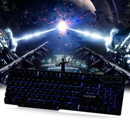 Compra Online Teclado para juegos de luz de fondo azul-Nuevo RAJFOO 1.8M 104 Teclas Rojo / Púrpura / Azul Contraluz Colores USB Teclado de juegos con cable LOL DOta 2 Periféricos profesionales