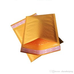 Kraft enveloppe jaune en Ligne-110 * 100 110 * 130 110 * 150 110 * 170 122 * 178mm vente en gros or jaune Kraft bulle Mailers enveloppes rembourrées sacs imperméables Livraison gratuite