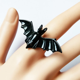 Popular European and American popular jewelry, lovers, Gothic Punk, animal, black bat, adjustable ring, steam