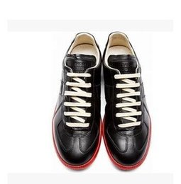 Wholesale Maison Martin Margiela La nouvelle basse aide en cuir m blanc noir mode loisirs hommes de chaussures quatre saisons boîte