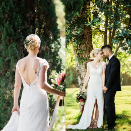 Gorgeous Sheath Wedding Dresses Bridal Gowns Sexy Beach Open Back Lace Wedding Dress Sheer Neck Lace Appliques Backless Front Split