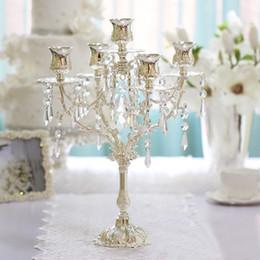 Promotion décor de zinc Style européen, chandelier romantique dîner décor candélabre, candélabres, alliage de zinc nouvelle 5 bougeoirs lumières