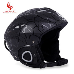 Wholesale Moon Skiing Helmet Autumn Winter Men Women Monoboard Skiing Snow Sports Safty Helmets with Adjustable Buckle Liner Cushion Layer