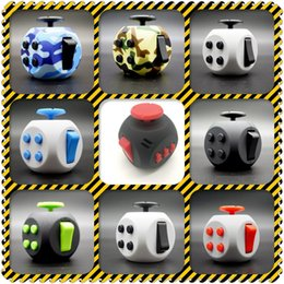 Plastique américain en Ligne-NOUVEAU 3 Génération Fidget Cube American Decompression Dice Anti Stress Hand Itch Irritabilité Cubes Puzzle Plastic Dices Toy Creative DHL