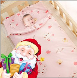 Wholesale Marry christmas baer focous on baby sleeping bags of cotton children to prevent the fall winter