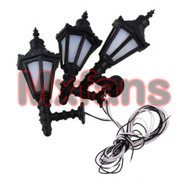 Vente en gros- 10pcs 1:25 LED lampadaire appliques murales Modèle Single Head Tower Shape Metal led light towers for sale à partir de tours d'éclairage dirigé fournisseurs