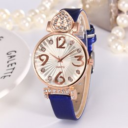 Fashion Quartz Watches Women Diamonds Wrist Watch Leather Heart Crystal Europe Style Top Luxury Brand Ladies Dress Clock Female New